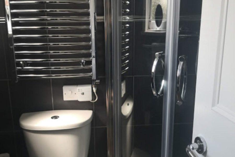 room 1 bathroom large